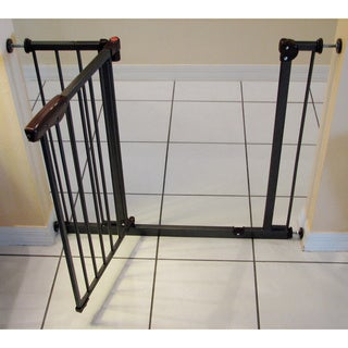 Shop Crown Auto Close Pressure Mounted Pet Gate Free