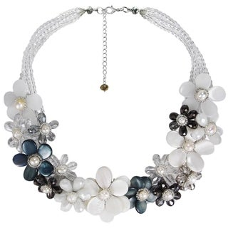 Exquisite Mother of Pearl Gradual Flower Necklace (Thailand)