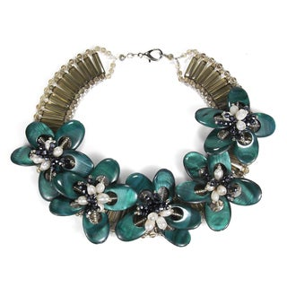 Emerald Green Dyed Mother of Pearl Floral Necklace (Thailand)
