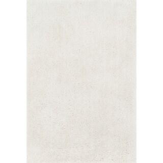 Hand-tufted Dream Ivory Shag Rug (5'0 x 7'6)