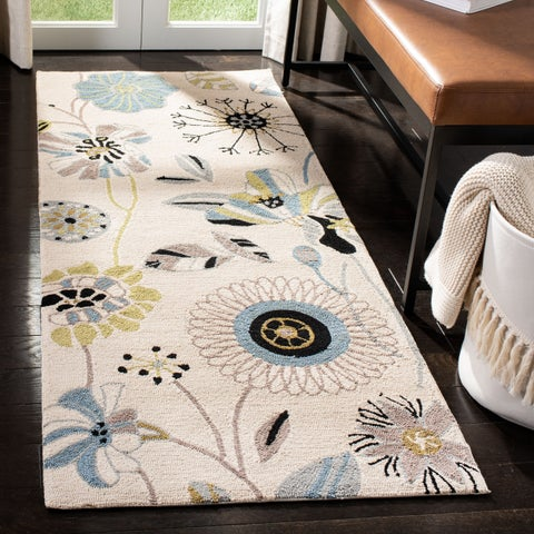 Safavieh Hand-Hooked Four Seasons Floral Ivory / Blue Polyester Runner - 2'6 x 4'