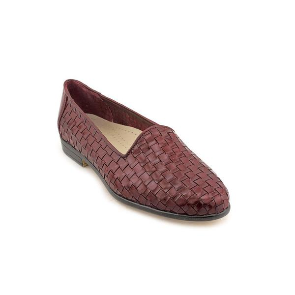 f048d760ef4 Shop Trotters Women s  Liz  Patent Leather Casual Shoes (Size 5 ...