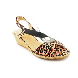 Beacon Women's 'Fiesta' Basic Textile Sandals - Narrow (Size 10 )