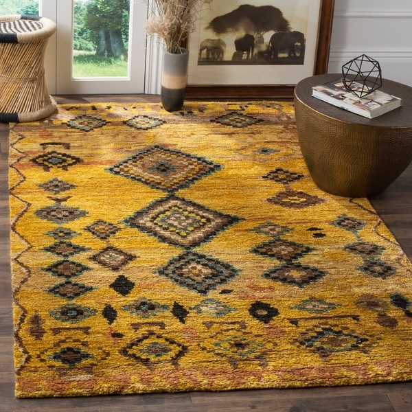 Safavieh Hand-knotted Tangier Gold Wool/ Hemp Rug - 8' x 10'