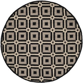 Safavieh Indoor/ Outdoor Four Seasons Black/ Grey Rug (6' Round)