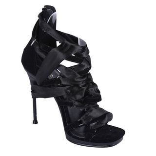 Fabulicious Women's 'Chic-26' Black Satin Lace-up Sandals