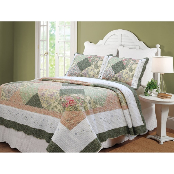 Williamsburg Forest Patchwork 3-Piece Quilt Set