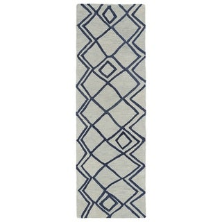 """Hand-tufted Utopia Lucca Ivory Wool Rug (2'6 x 8') - 2'6"""" x 8'"""