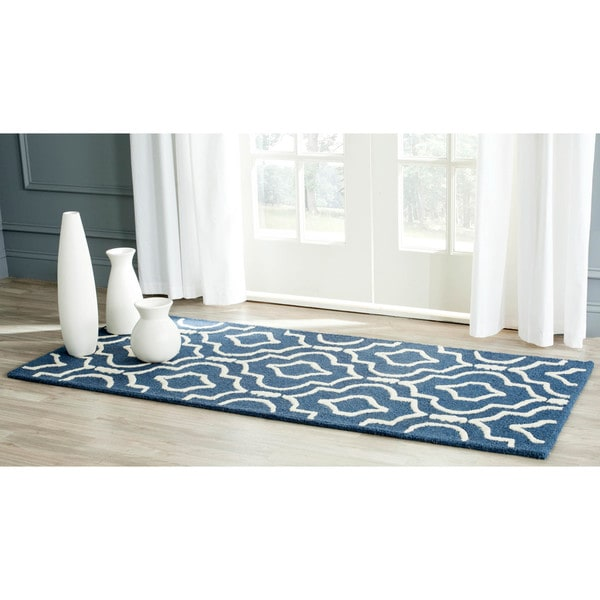 Safavieh Handmade Moroccan Cambridge Navy/ Ivory Wool Rug (2'6 x 6')