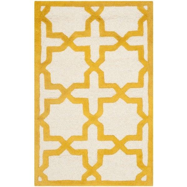 Safavieh Handmade Moroccan Cambridge Ivory/ Gold Wool Rug - 2'6 x 4'