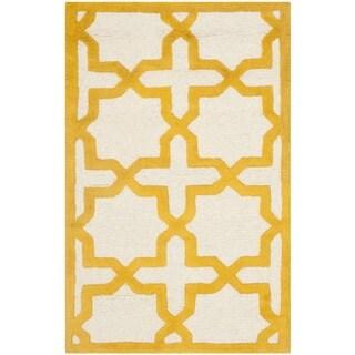 Safavieh Handmade Moroccan Cambridge Ivory/ Gold Wool Rug (2'6 x 4')