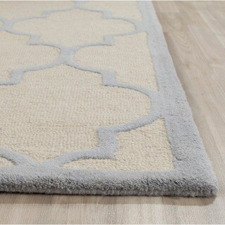 Safavieh Handmade Moroccan Cambridge Ivory/ Light Blue Wool Rug (2'6 x 4')