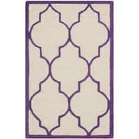 Safavieh Handmade Moroccan Cambridge Ivory/ Purple Wool Rug - 2'6 x 4'