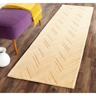 Safavieh Handmade Impressions Gold Wool Rug (2'3 x 8')