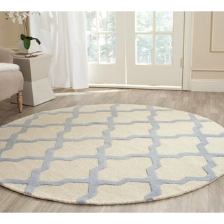 Safavieh Handmade Moroccan Cambridge Ivory/ Light Blue Wool Rug (6' Round)
