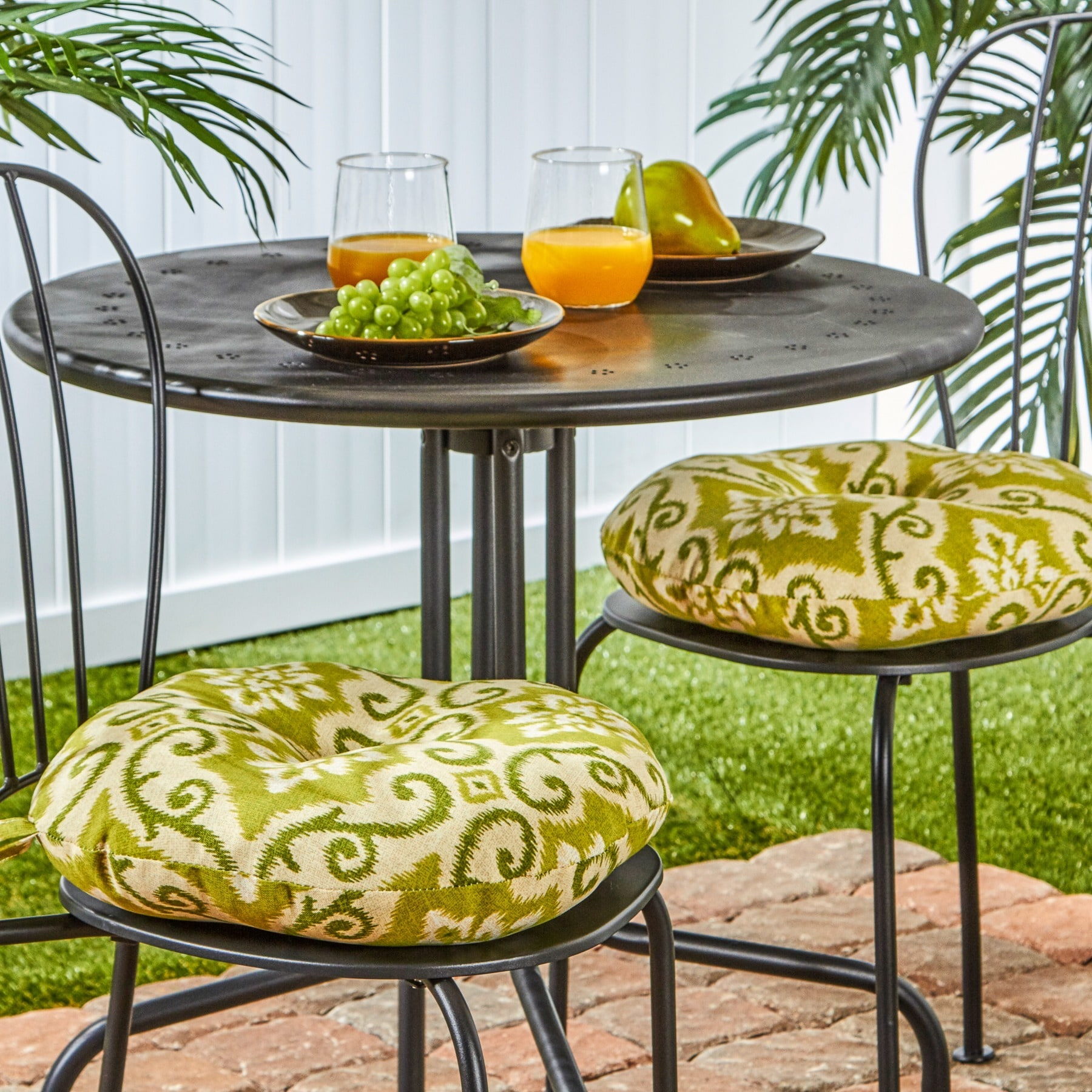 Merveilleux Round 15 Inch Outdoor Bistro Chair Cushions (Set Of 2)