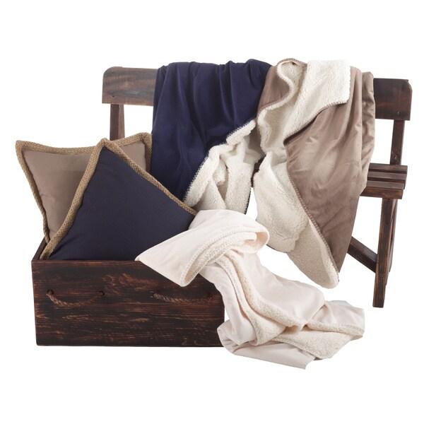 Classic Design Sherpa Throw Blanket