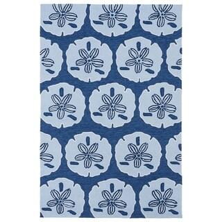 """'Luau' Blue Sand Dollar Print Indoor/ Outdoor Rug (7'6 x 9') - 7'6"""" x 9'"""