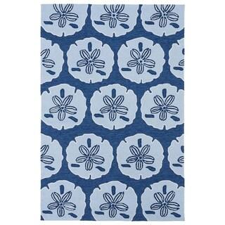 'Luau' Blue Sand Dollar Print Indoor/ Outdoor Rug (7'6 x 9')