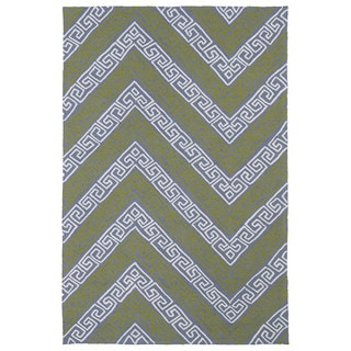Indoor/ Outdoor Luau Grey Chevron Rug (8'6 x 11'6)