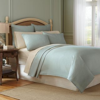 Modern Living Signature Matelasse Cotton Coverlet