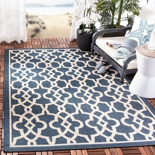Safavieh Courtyard Geometric Poolside Navy/ Beige Indoor/ Outdoor Rug (6'7 x 9'6)