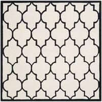Safavieh Handmade Moroccan Cambridge Ivory/ Black Wool Rug - 6' Square