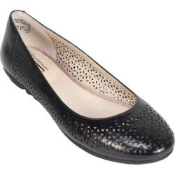 Women's Cliffs by White Mountain Belita Black Smooth