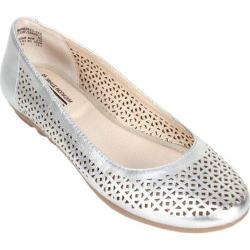 Women's Cliffs by White Mountain Belita Silver Metallic Smooth