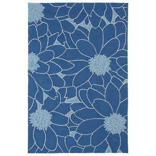 Indoor/ Outdoor Fiesta Blue Flower Rug (5' x 7'6)