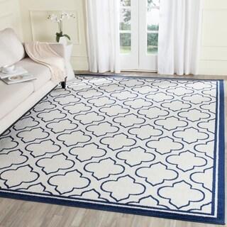 Safavieh Amherst Indoor/ Outdoor Ivory/ Navy Rug (8' x 10')