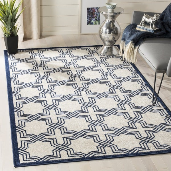 Safavieh Amherst Indoor/ Outdoor Ivory/ Navy Rug - 8' x 10'