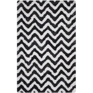 Safavieh Handmade Barcelona Shag Graphite Grey/ White Chevron Polyester Rug (5' x 8')
