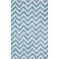 Safavieh Handmade Barcelona Shag White/ Blue Chevron Polyester Rug - 5' x 8'