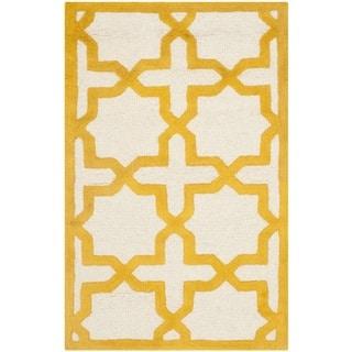 Safavieh Handmade Moroccan Cambridge Ivory/ Gold Wool Rug (2' x 3')