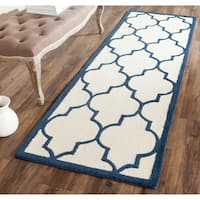 "Safavieh Handmade Moroccan Cambridge Ivory/ Navy Wool Rug - 2'6"" x 6'"