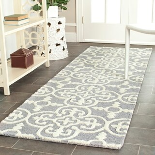 Safavieh Handmade Moroccan Cambridge Blue, Silver, and Ivory Wool Rug (2'6 x 6')