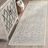 Safavieh Handmade Cambridge Moroccan Silver/ Ivory Rug - 2'6 x 14'