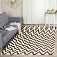 Safavieh Hand-woven Chevron Reversible Dhurries Brown/ Ivory Wool Rug - 9' x 12'