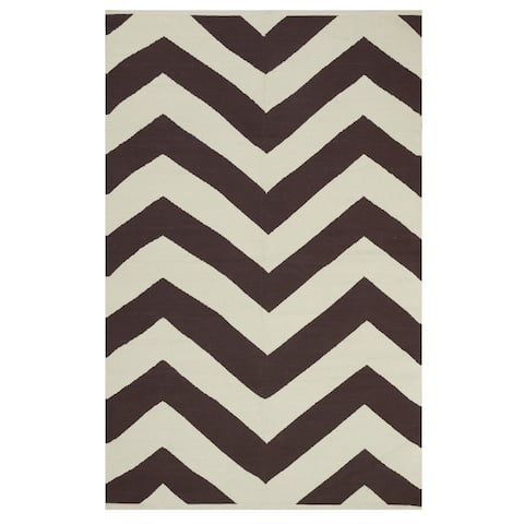 Handmade Lexington Coffee Brown and Beige Chevron Rug (India) - 5' x 8'