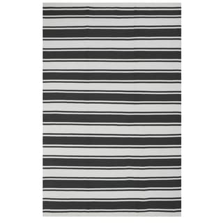 Hand-woven Indo Lucky Grey/White Contemporary Striped PET Area Rug (6' x 9')