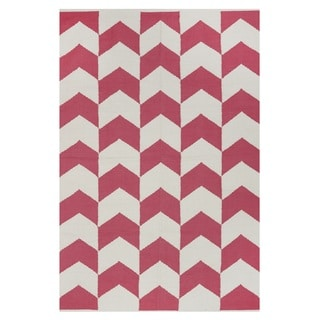 Indo Hand-woven Metropolitan Red/ White Contemporary Chevron Rug (4' x 6')