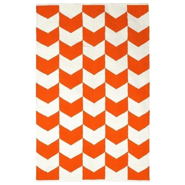 Handmade Indo Metropolitan Orange/ White Contemporary Chevron Rug (India) - 4' x 6'