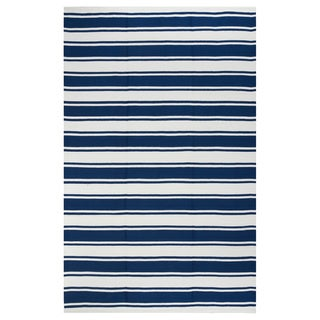 Indo Hand-woven Lucky Blue/ White Contemporary Stripe Area Rug (4' x 6')