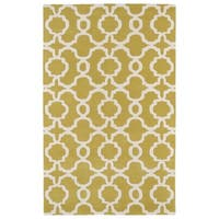 Hand-tufted Cosmopolitan Trellis Yellow/ Ivory Wool Rug - 5' x 7'9