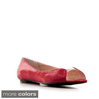 Gomax Women's 'Jeni 15' Patent Leather Embossed Flats