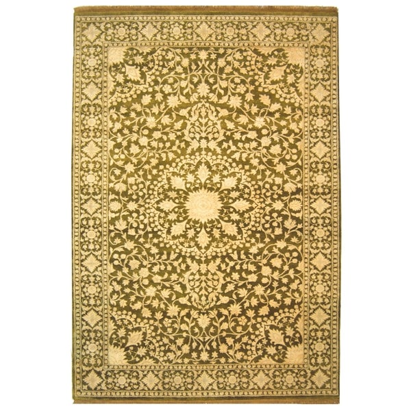 Safavieh Hand-knotted Ganges River Ivory/ Green Wool Rug - 9' x 12'