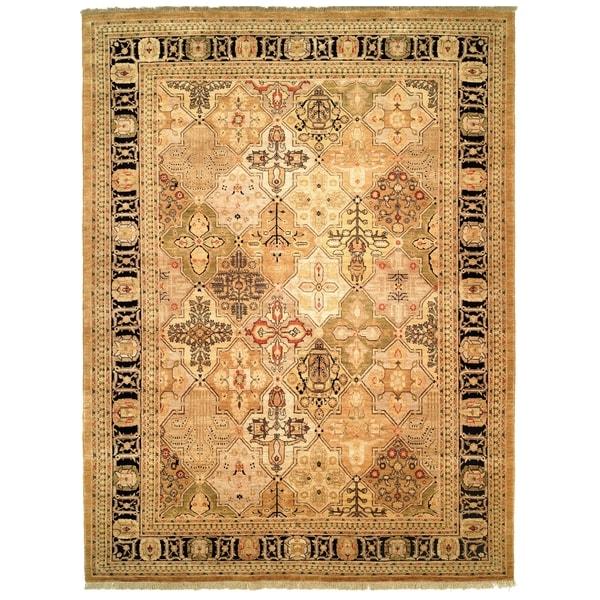 Safavieh Hand-knotted Peshawar Vegetable Dye Gold/ Black Wool Rug - 8' x 10'