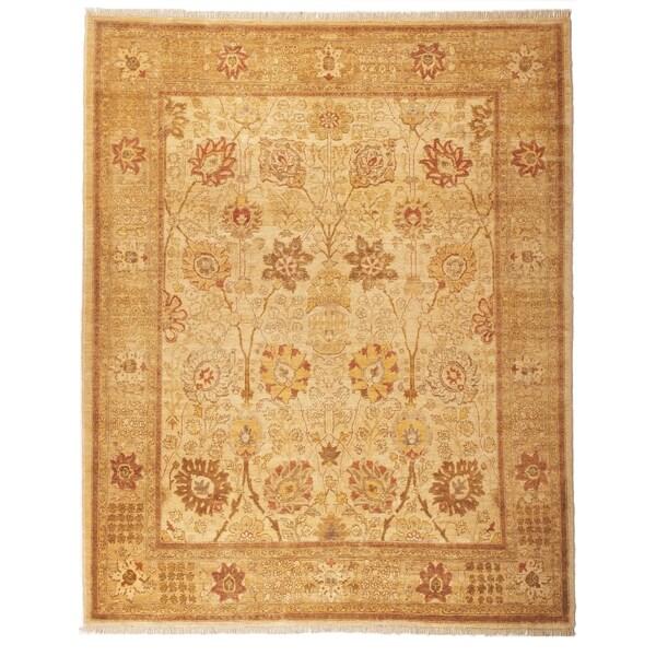 Safavieh Hand-knotted Peshawar Vegetable Dye Ivory/ Gold Wool Rug - 8' x 10'