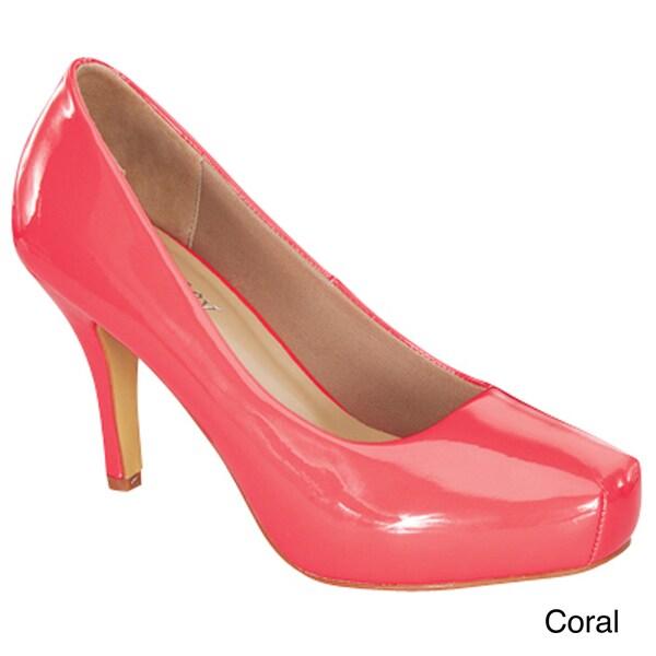 Delicacy Women's 'Cyndi-92' Patent Mid-heel Pumps